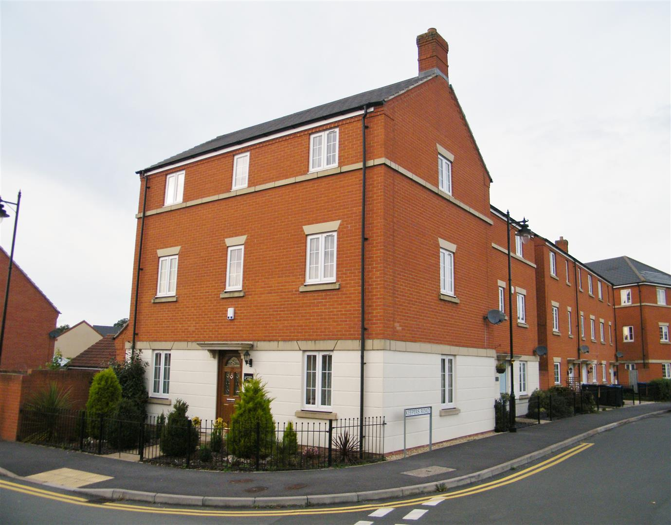 4 Bedrooms House for sale in Quakers Road, Devizes